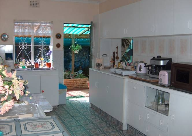 Cape town self catering for Kitchen accessories cape town